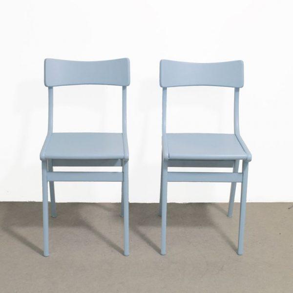3 dva plava stola 4