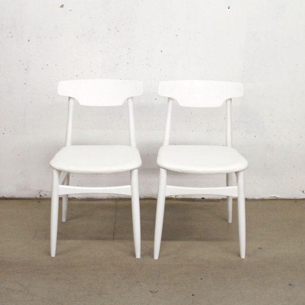 Set dveh belih stolov, beli skaj 1
