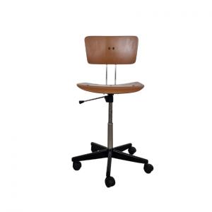 Pisarniški stol obnovljen (1)